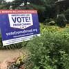 Une pancarte où on lit : « Les Américains peuvent voter au Canada ».