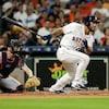 Le Québécois Abraham Toro, des Astros de Houston, à sa première présence au bâton dans les majeures.