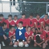 Alain Fortier (en haut, au centre), plus jeune, dans son équipe de soccer