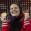 Christine Girard avec ses deux médailles olympiques