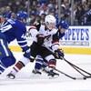 L'attaquant des Coyotes Clayton Keller a marqué un but face aux Maple Leafs de Toronto.