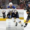 Patrice Bergeron, des Bruins de Boston, Ryan O'Reilly, des Blues de St. Louis, et Mark Stone, des Golden Knights de Vegas