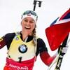 La Norvégienne Tiril Eckhoff tout sourire à l'arrivée de la poursuite de 10 km de Ruhpolding en Allemagne.