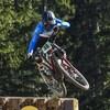 Le Canadien Elliot Jamieson à l'œuvre aux Mondiaux de vélo de montagne