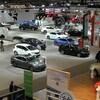 Des véhicules exposés au Salon de l'auto de Toronto.