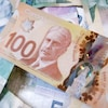 Photo de billets canadiens.