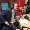 Sébastien Lemire se lance en politique. Il en fait l'annonce dans les studios de Radio-Canada en Abitibi-Témiscamingue.