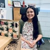 Émilie Morier-Roy assise sur une chaise.