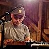Shawn Jobin joue de la musique. (archives)