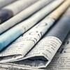 Des journaux empilés