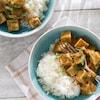 Servi avec du riz blanc