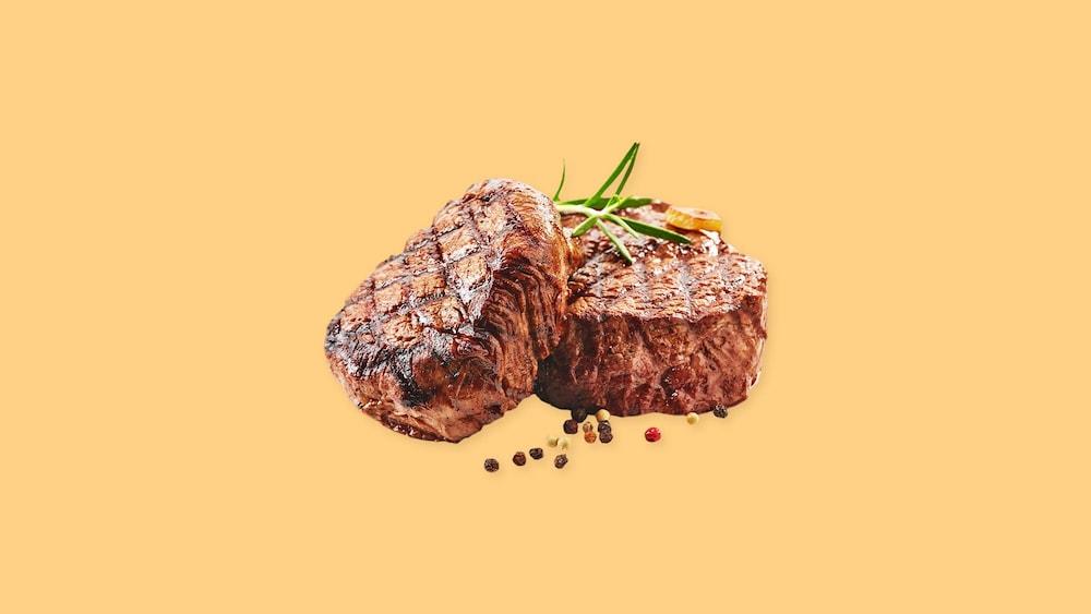 Deux morceaux de bœuf.