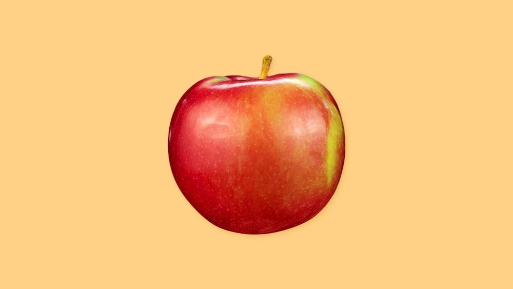 Une pomme complète.