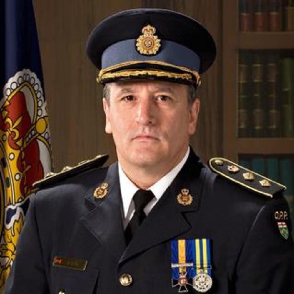 Le commissaire par intérim de la PPO, Brad Blair, en uniforme dans une photo officielle