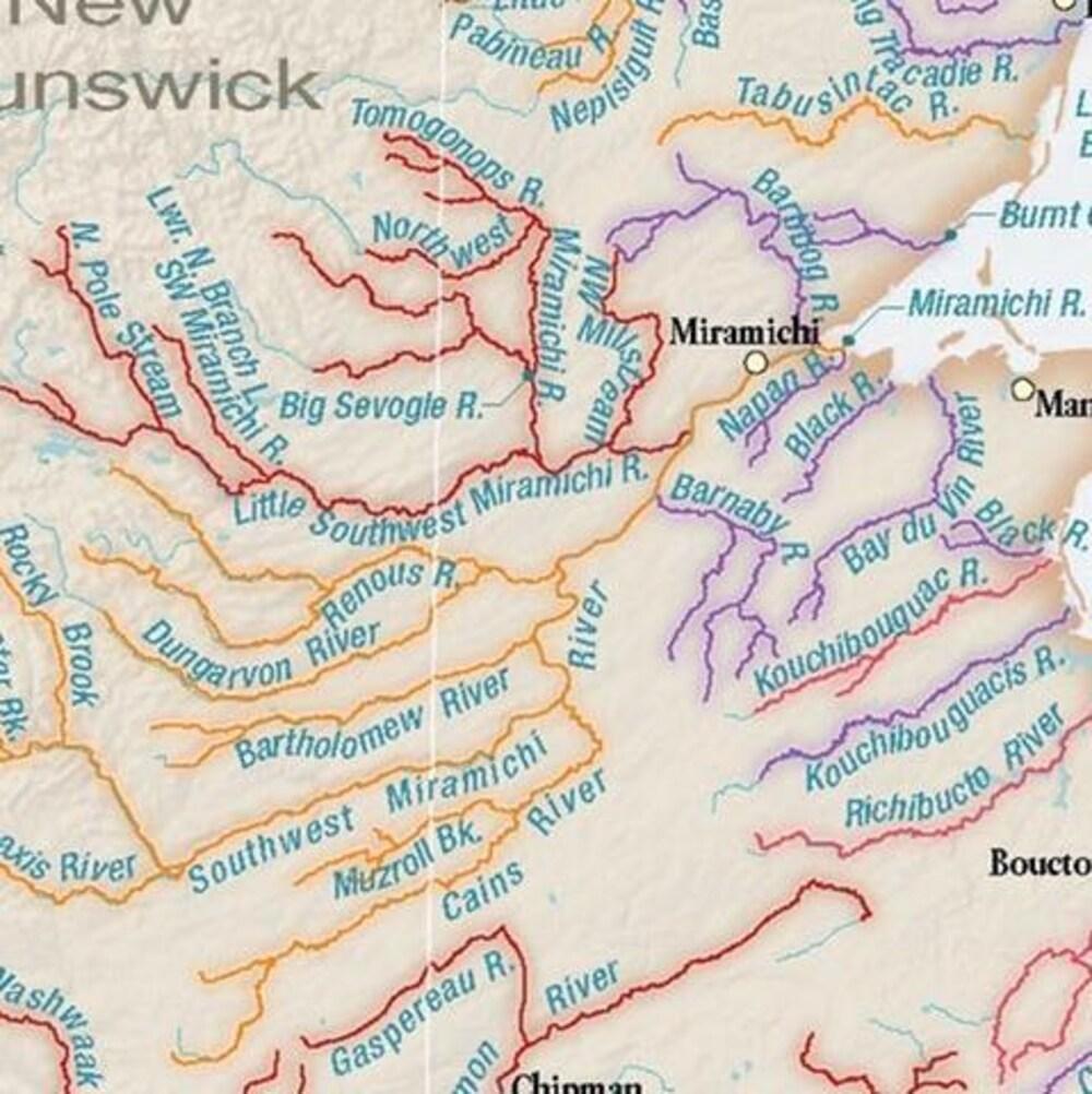 Des rivières indiquées en rouge, brun et mauve dans la région de Miramichi.