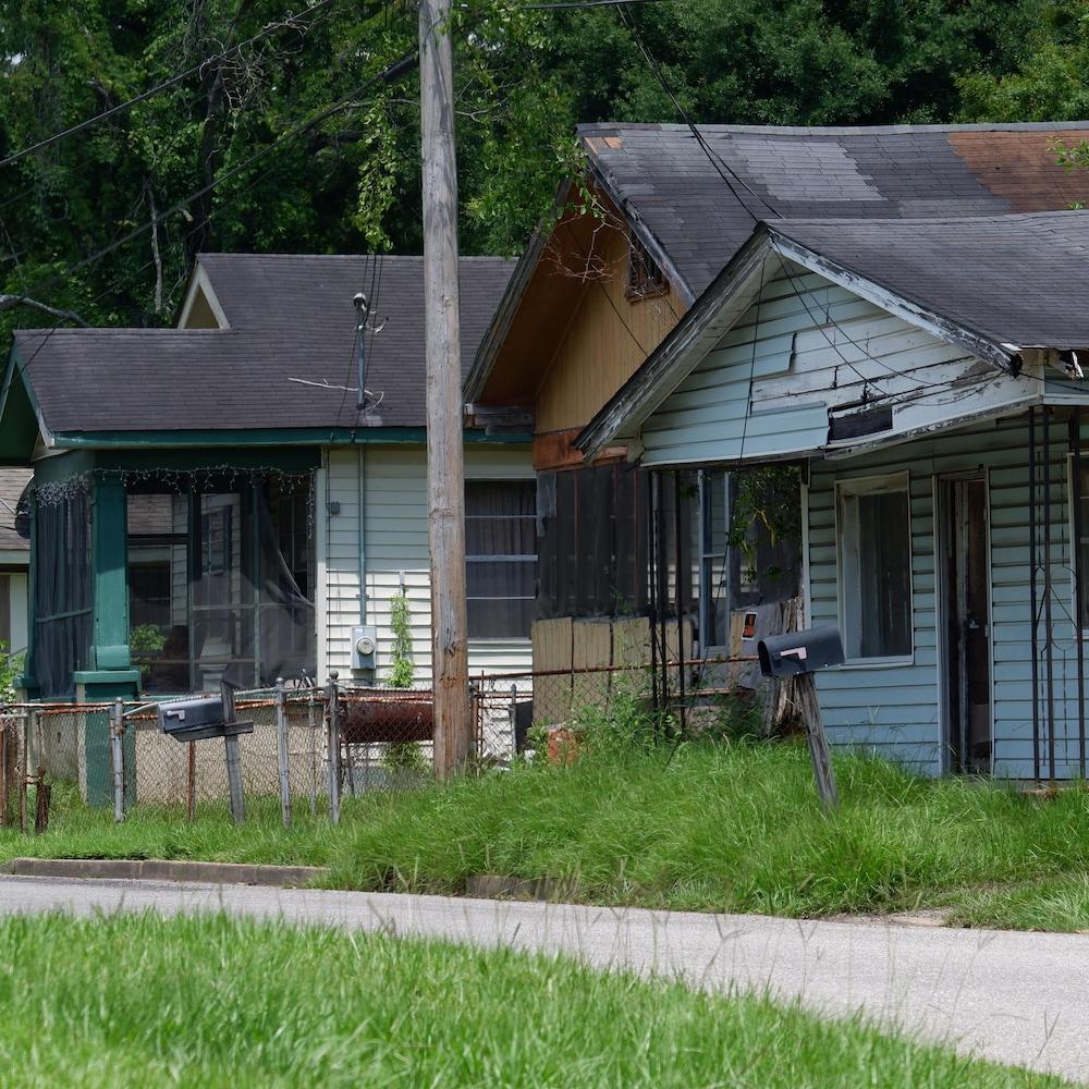 Le quartier Africatown fait face à plusieurs problèmes, notamment la pauvreté.