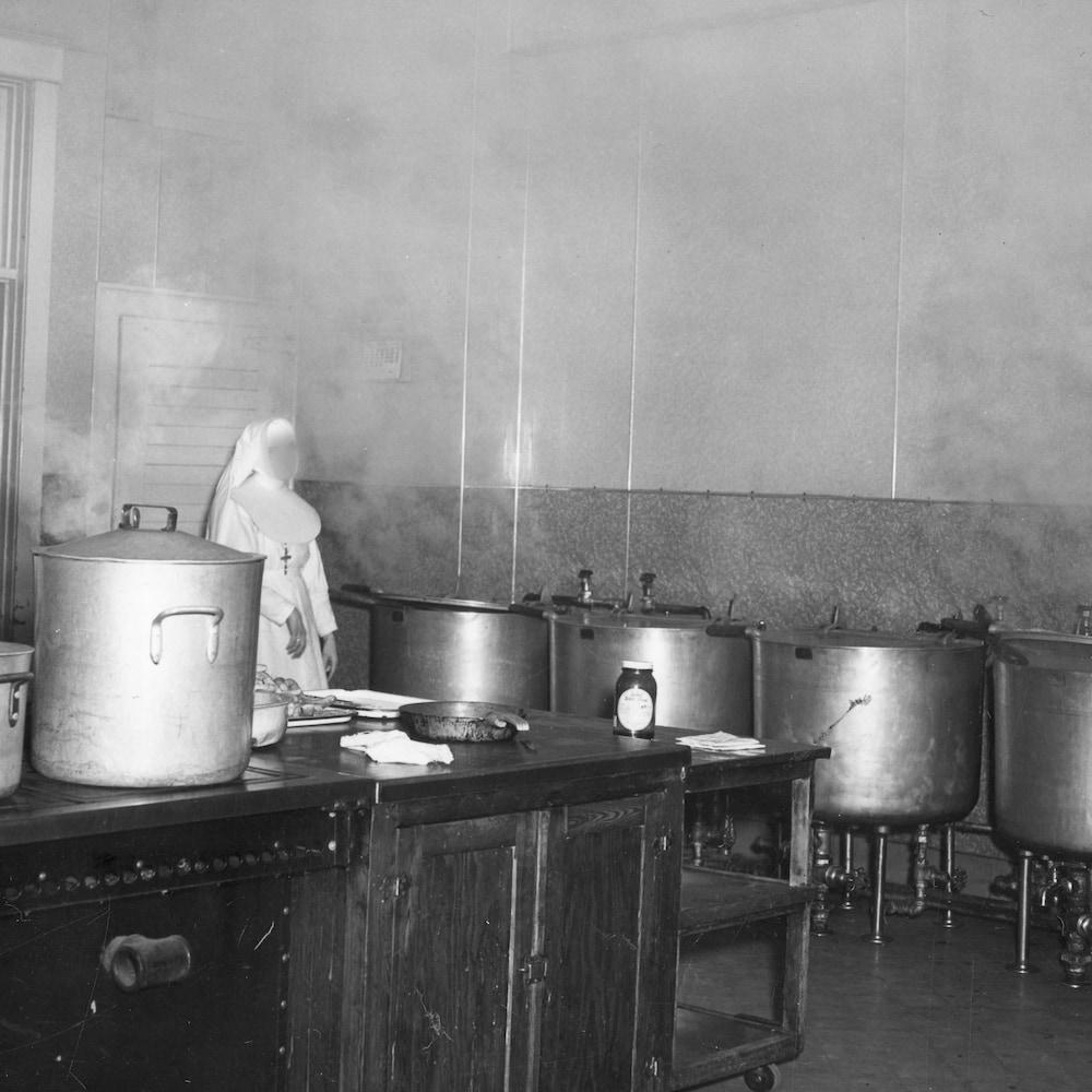 La cuisine de l'Orphelinat de l'Immaculée-Conception.
