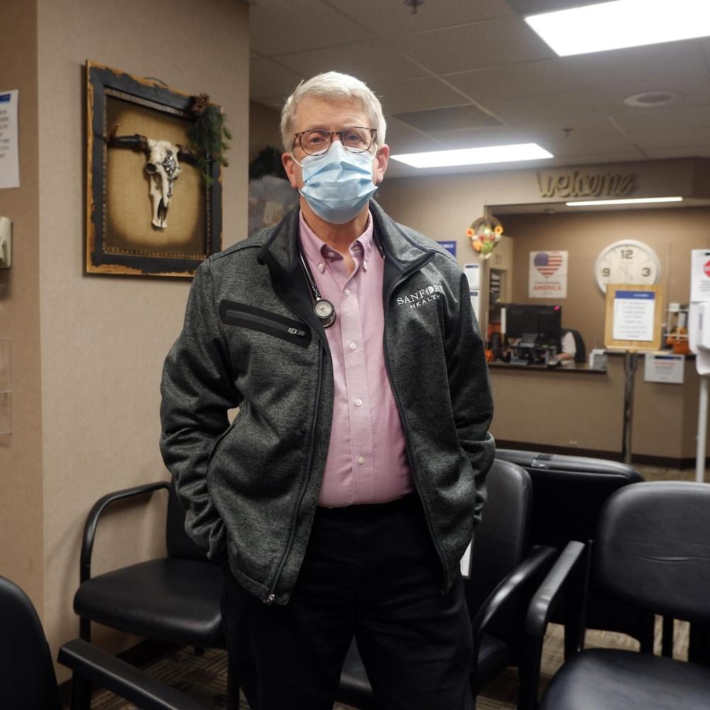 Le docteur David Field, dans un hôpital de Bismarck, au Dakota du Nord.