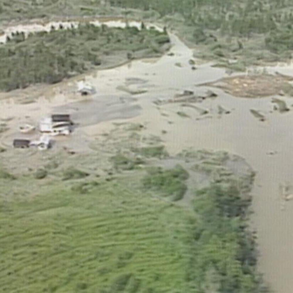 L'eau inonde les terres dans le secteur de Ferland-et-Boilleau.