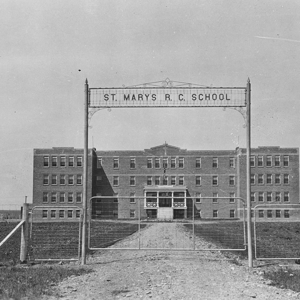 Le pensionnat autochtone Saint Mary's, aussi connu sous le nom d'Immaculate Conception, près de Cardston, Alberta.