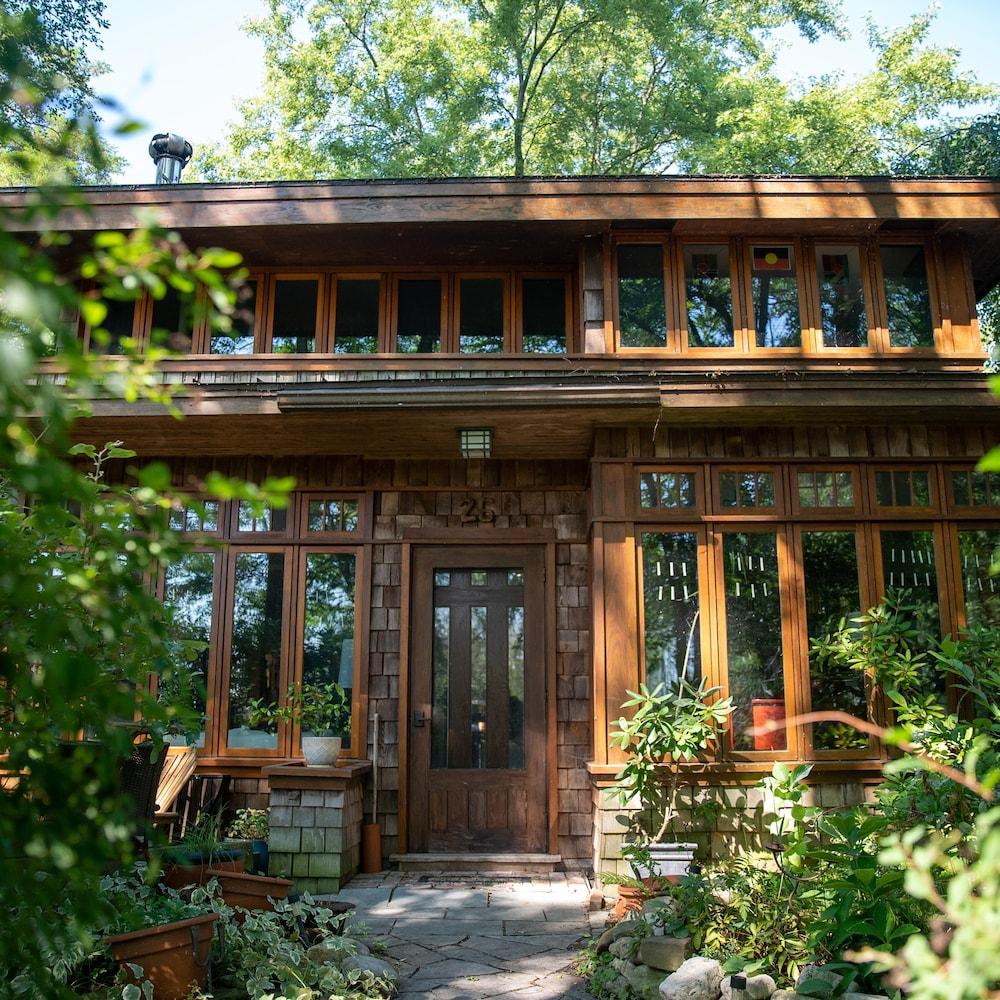 Une maison de l'Île Ward à Toronto.