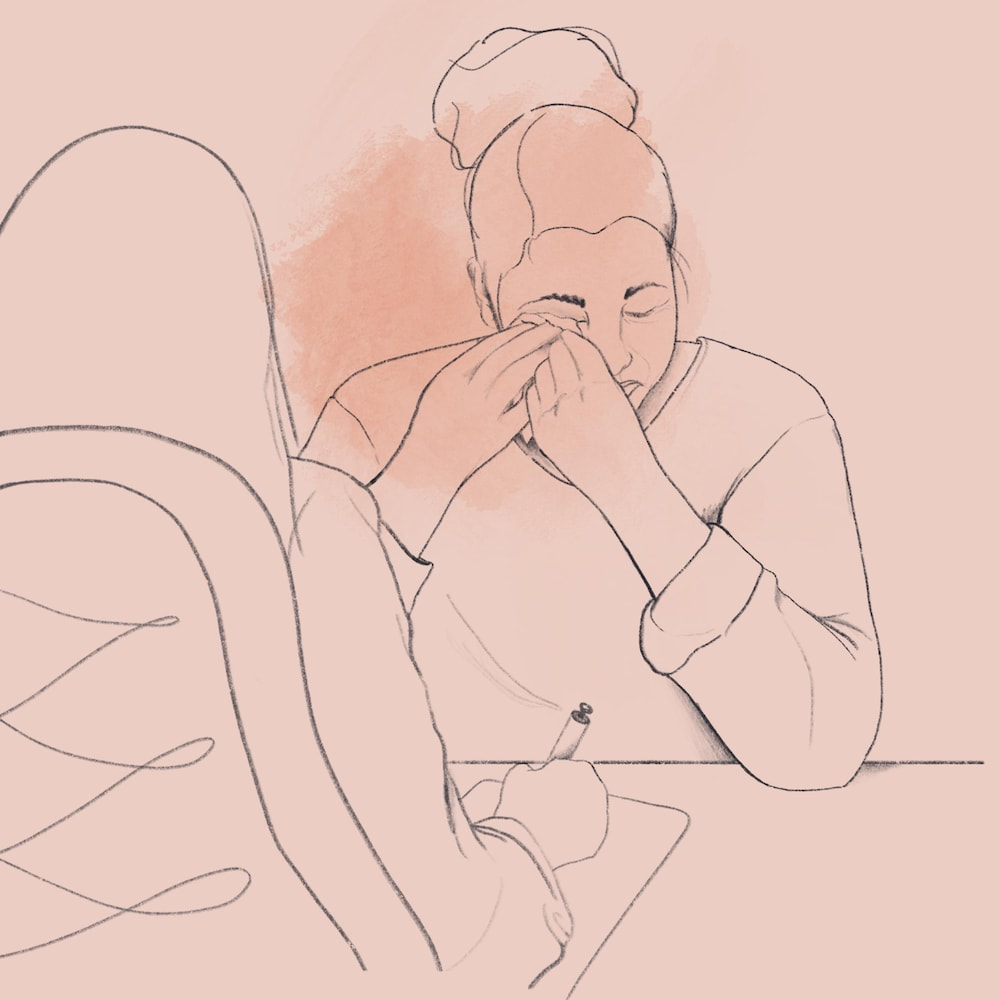 Illustration montrant une femme pleurer devant son médecin.