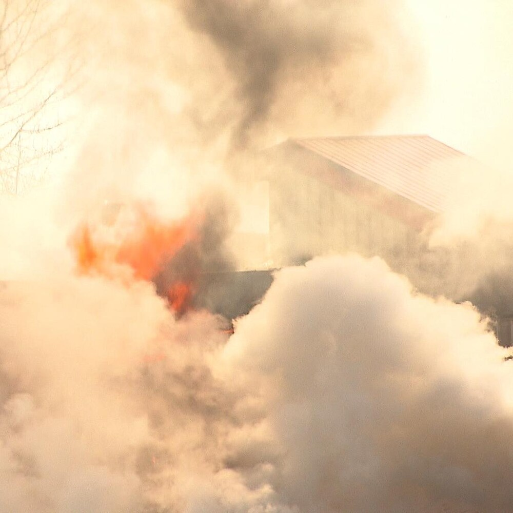 Flammes et fumées