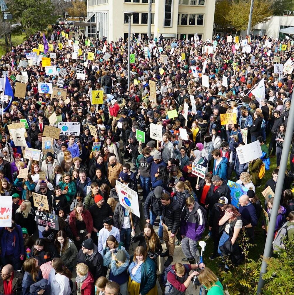 La foule rassemblée à Edmonton.