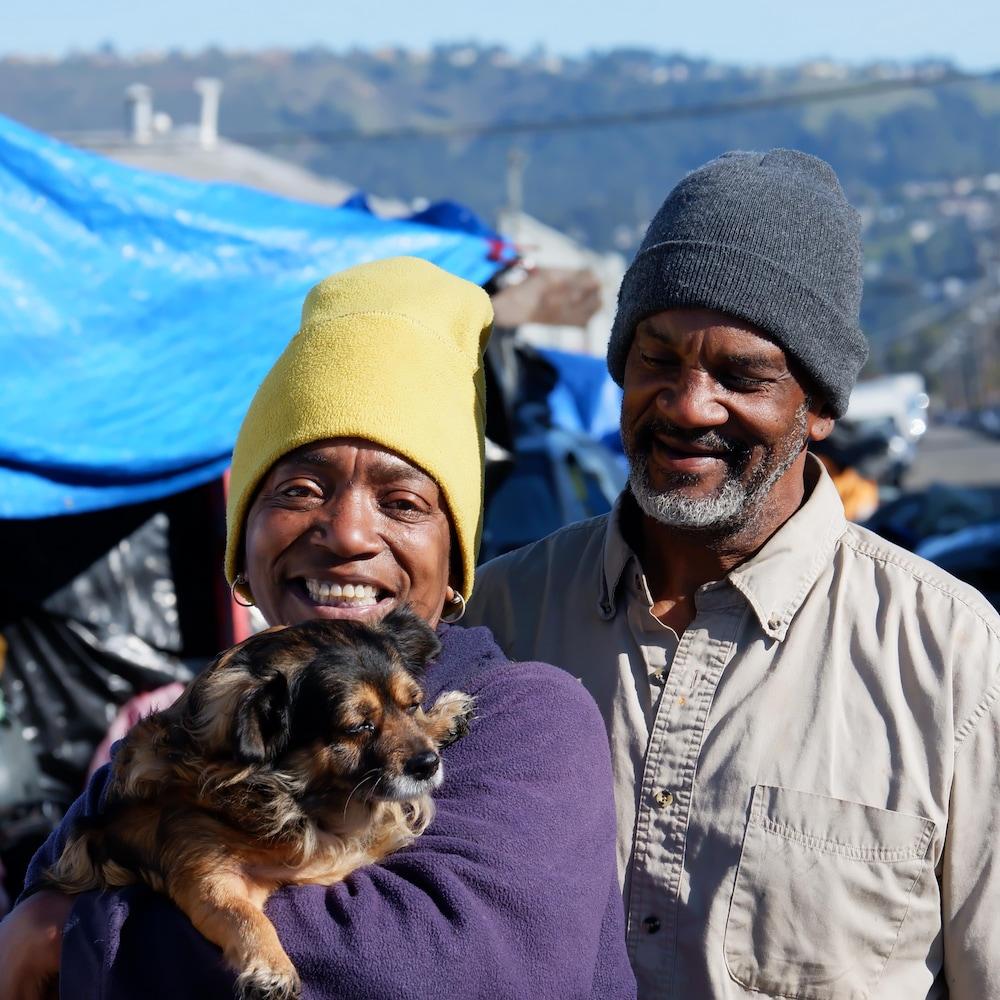 Kym Wilson et son mari Lenton vivent dans un campement de sans-abri à Oakland.
