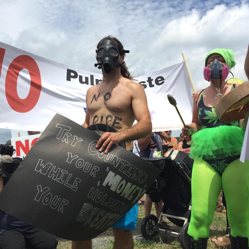 Manifestation contre la papetière Northern Pulp à Pictou, en Nouvelle-Écosse, le 6 juillet 2018.