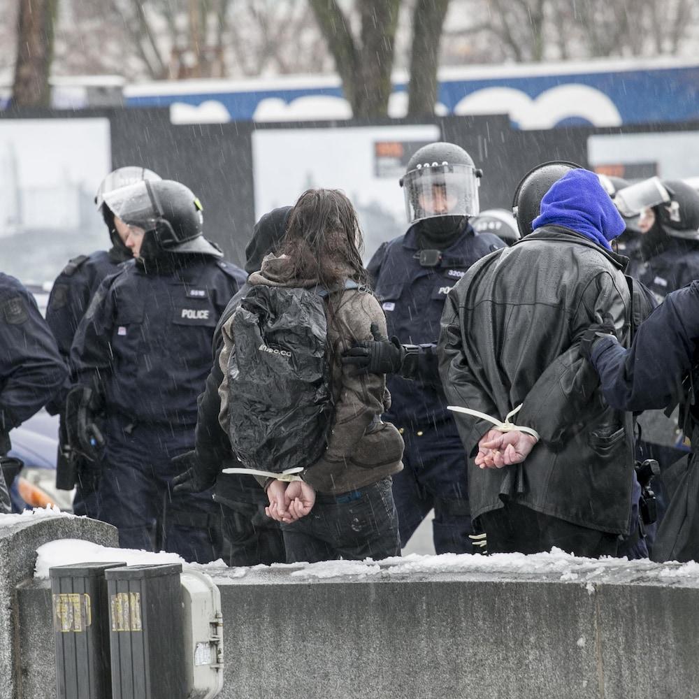 Au total, plus de 40 personnes ont été arrêtées.