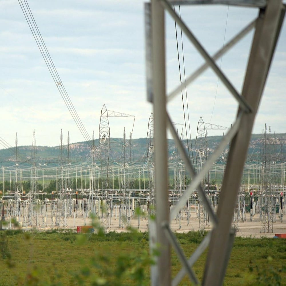 Des installations d'Hydro-Québec près du village cri de Nemaska, dans le territoire d'Eeyou Istchee, dans le Nord-du-Québec.