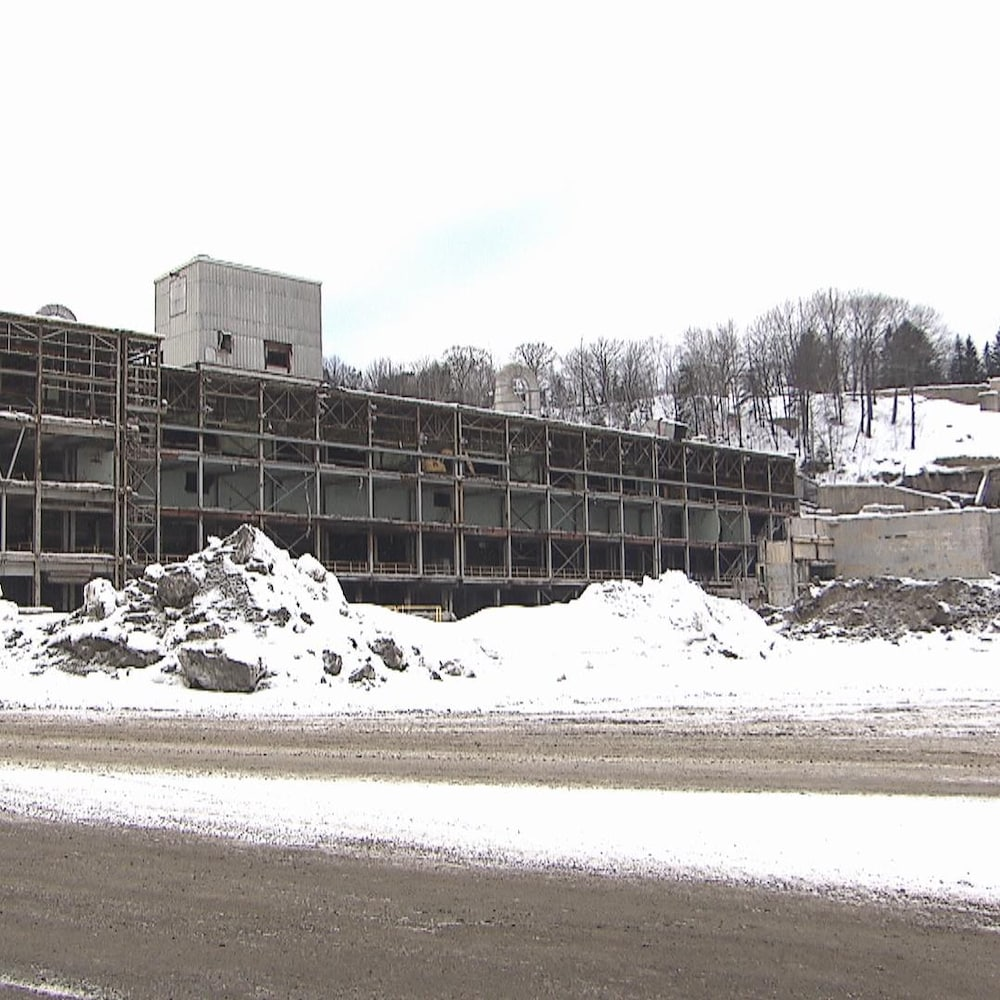 Bâtisse vide l'hiver