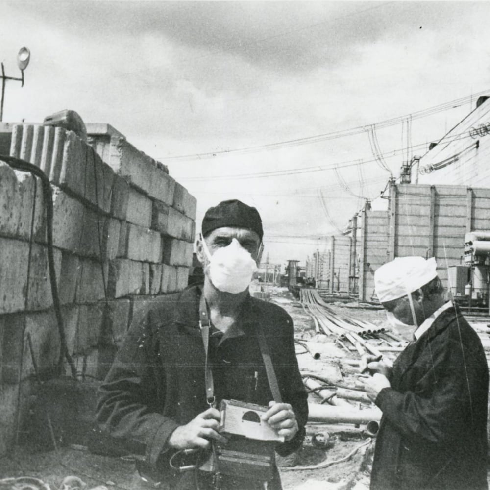 Roman Kanyuk en compagnie d'autres travailleurs.