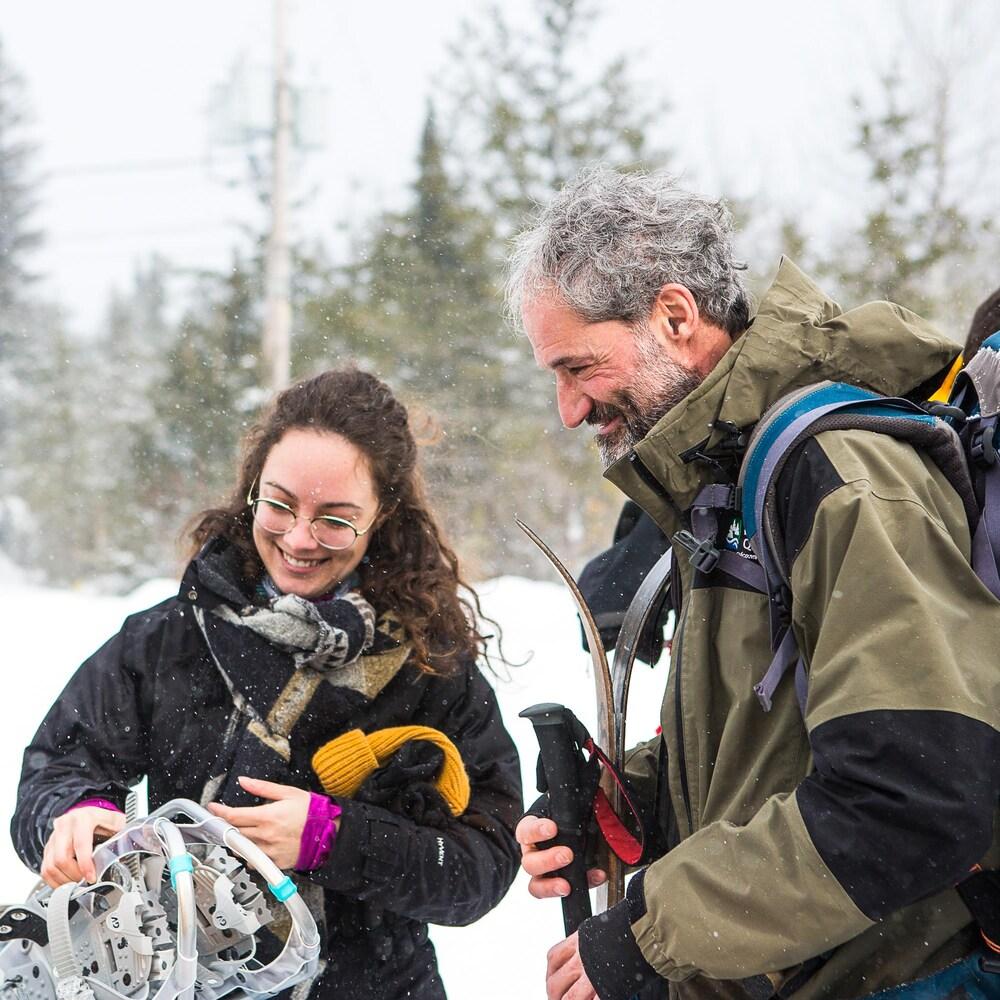 Une randonneuse avec le guide Robert Fluet.