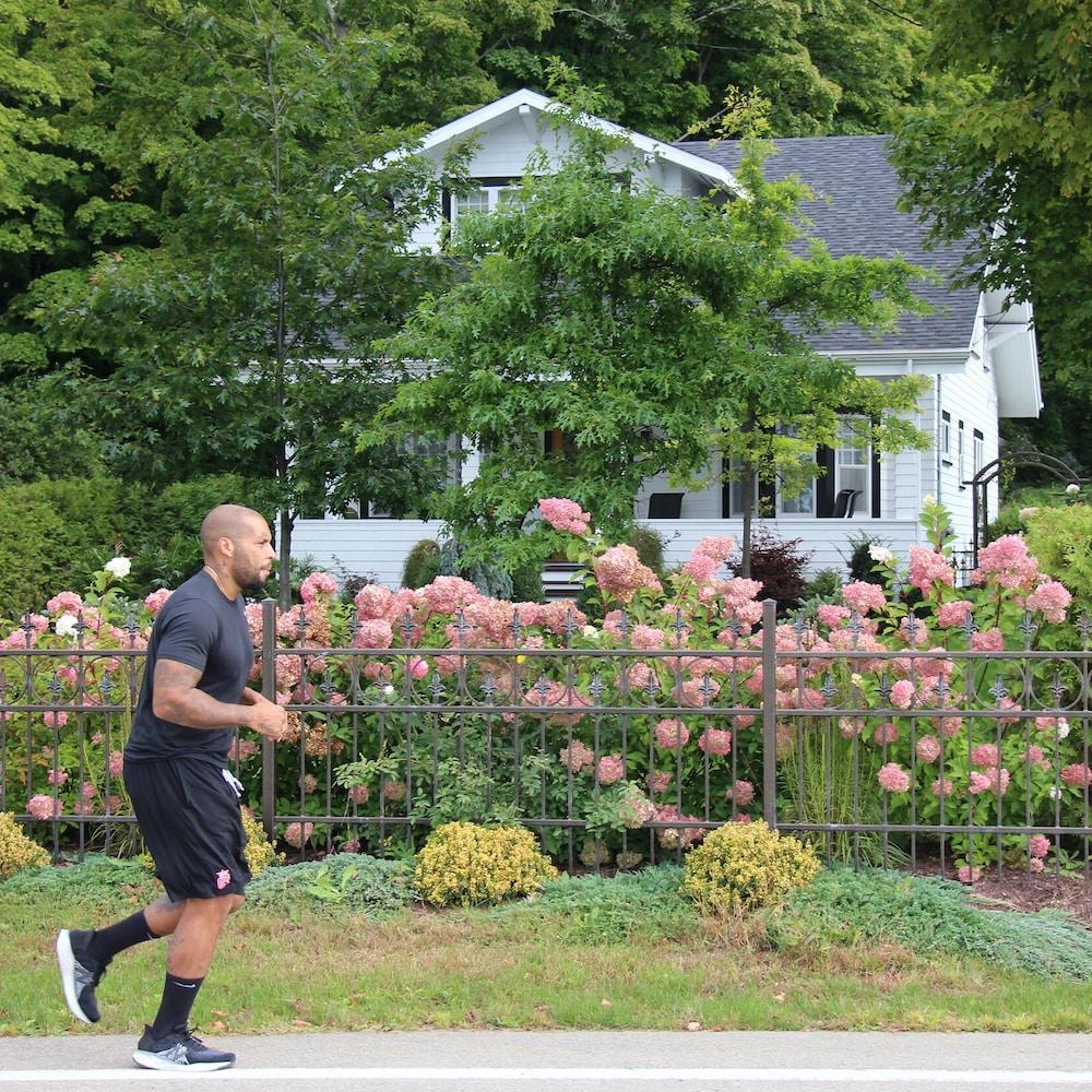 Eric en séance de course à pied sur l'île d'Orléans.