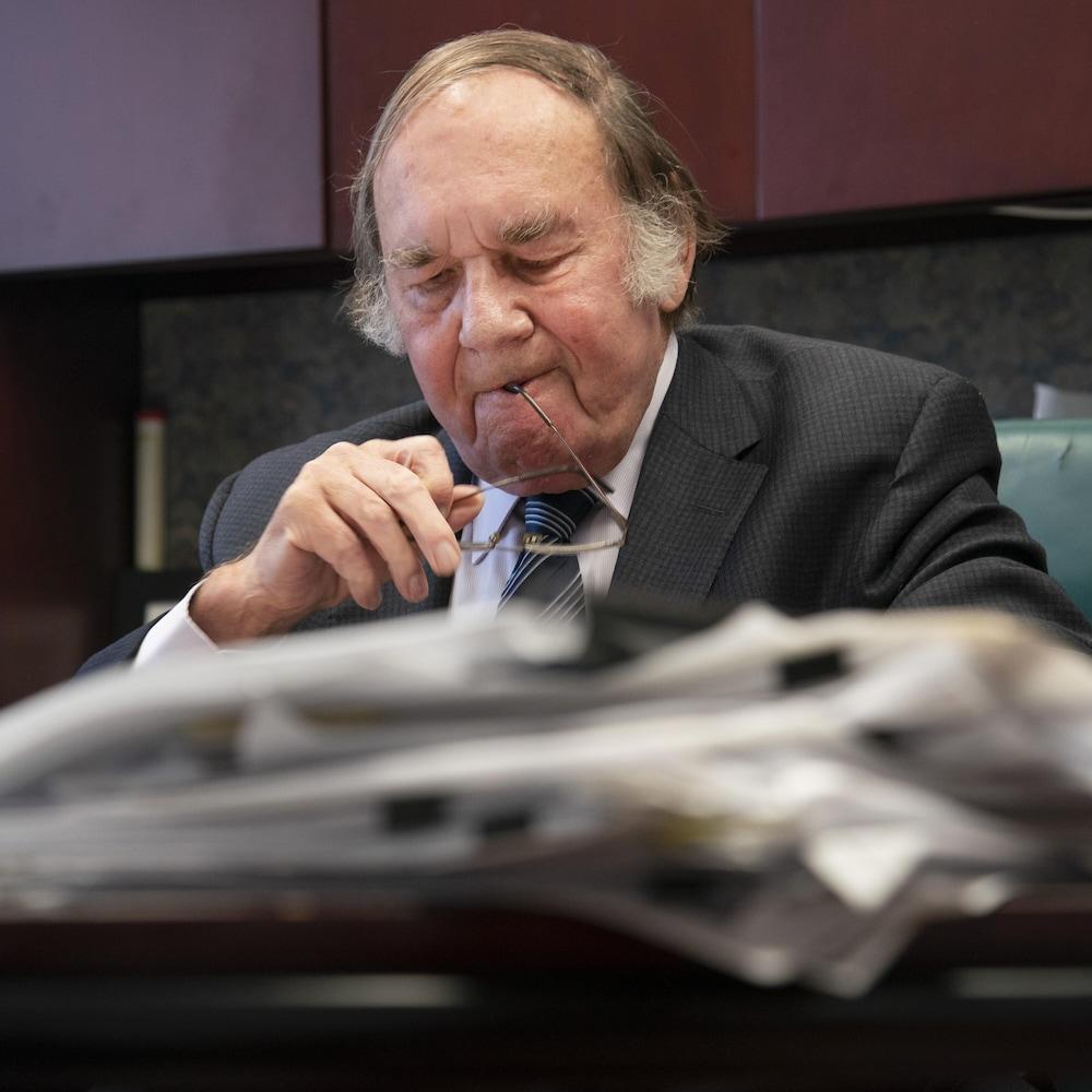 L'avocat James O'Reilly dans son bureau de Montréal.