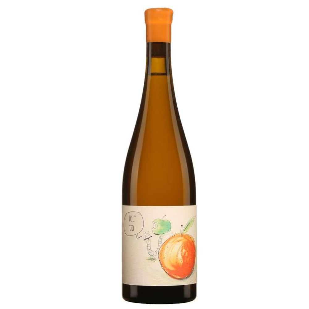 Bouteille de vin avec une étiquette représentant une pêche et un ver.