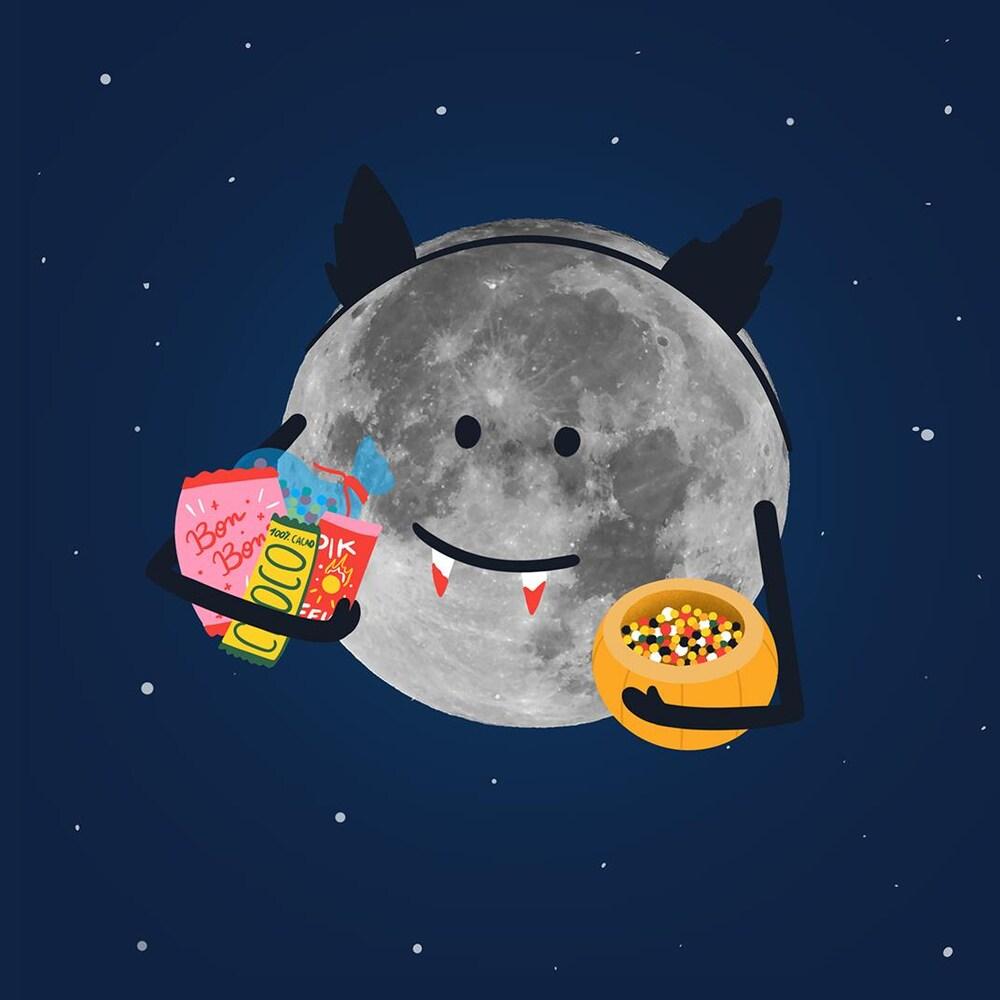 Illustration de la Lune déguisée en vampire pour Halloween. Elle tient aussi des bonbons dans ses bras.