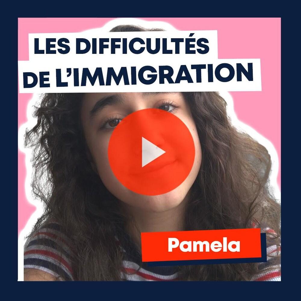 Pamela, collaboratrice de MAJ, regarde la caméra. Texte : « Les difficultés de l'immigration. Pamela. »