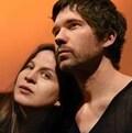 Les deux acteurs de la pièce Des arbres: Evelyne Gélinas et Maxime Denommée