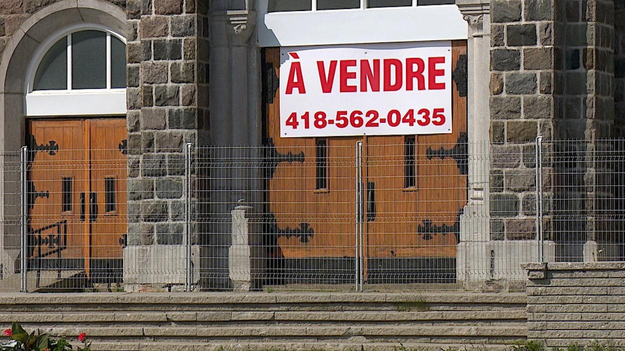 Ultra Une pancarte « À vendre » qui dérange   ICI Radio-Canada.ca AC-37