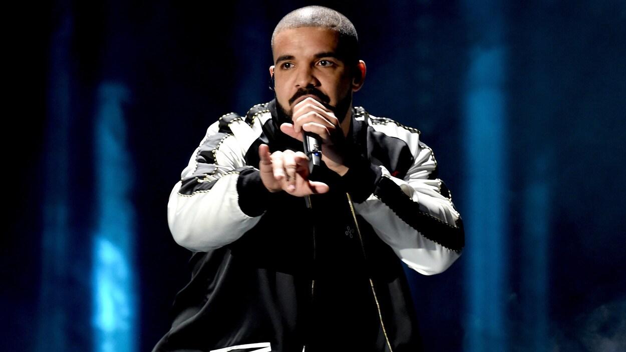 Le rappeur Aubrey Drake Graham en performance.