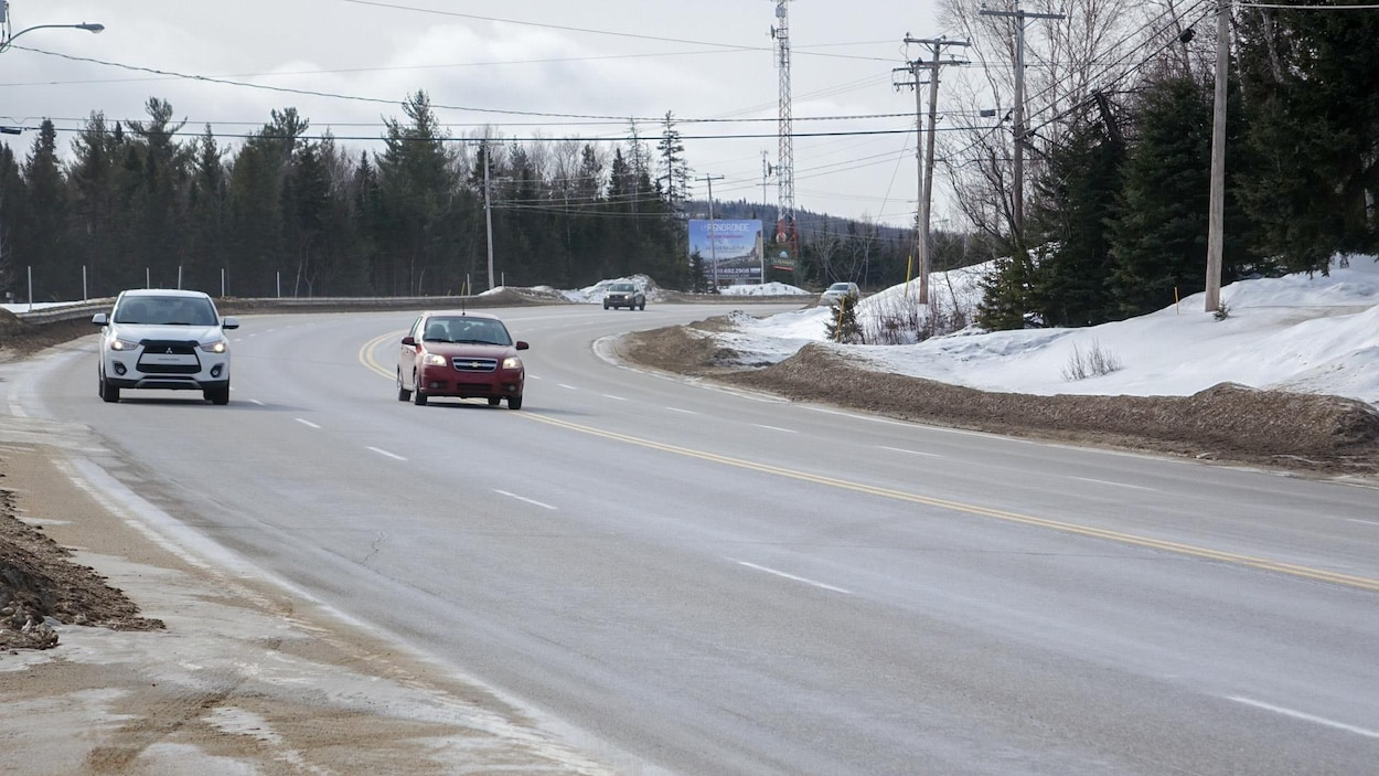 La route 138 à l'entrée de Baie-Saint-Paul dans Charlevoix
