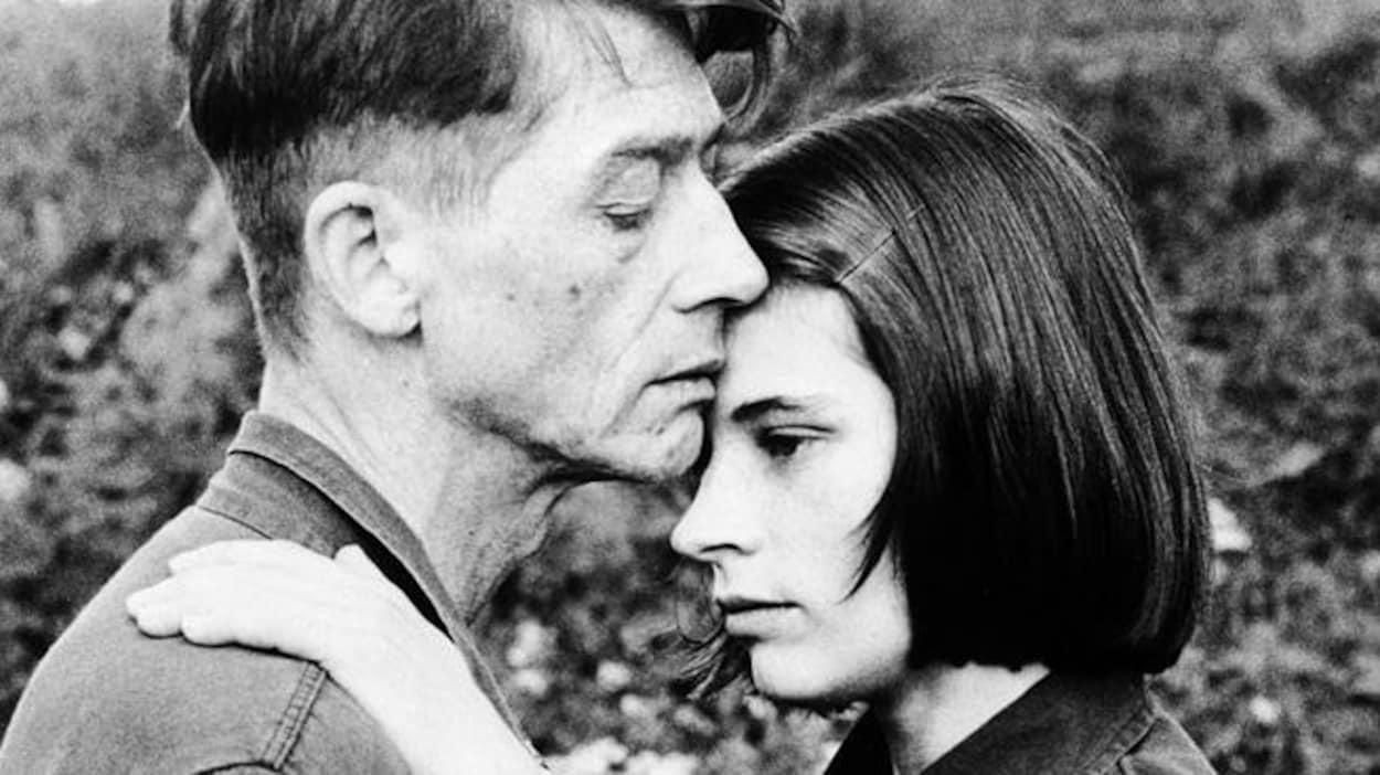John Hurt et Suzanna Hamilton dans « 1984 »