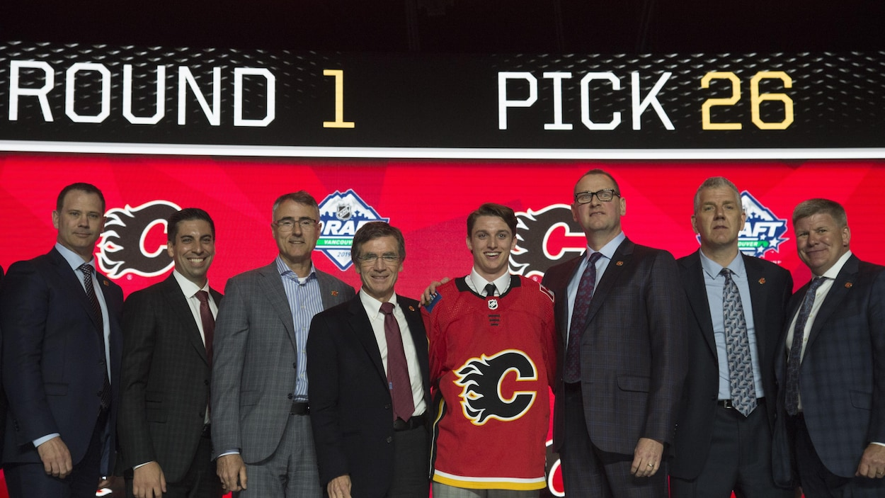 Calgary Flames select Jakob Pelletier during the first round NHL draft at Rogers Arena in Vancouver, Friday, June, 21, 2019. THE CANADIAN PRESS/Jonathan Hayward