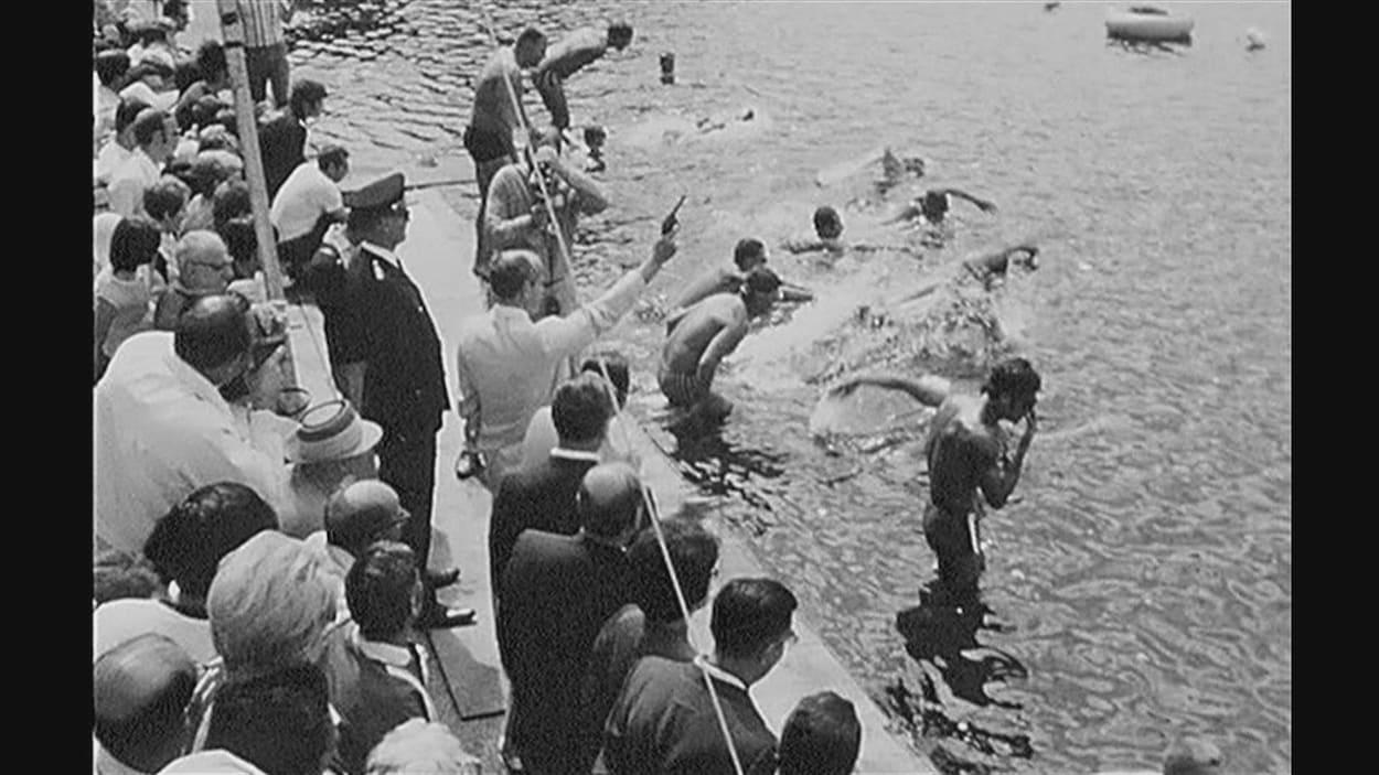 Nos archives : quand La Tuque était un haut lieu de la natation |  Radio-Canada.ca
