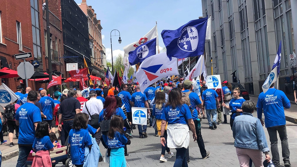 Une marche de solidarité envers les travailleurs de l'Aluminerie de Bécancour a eu lieu samedi.