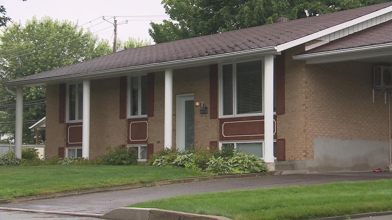 Une dame a perdu la vie après avoir été heurté par un véhicule au 5330 rue d'Orléans à Trois-Rivières.
