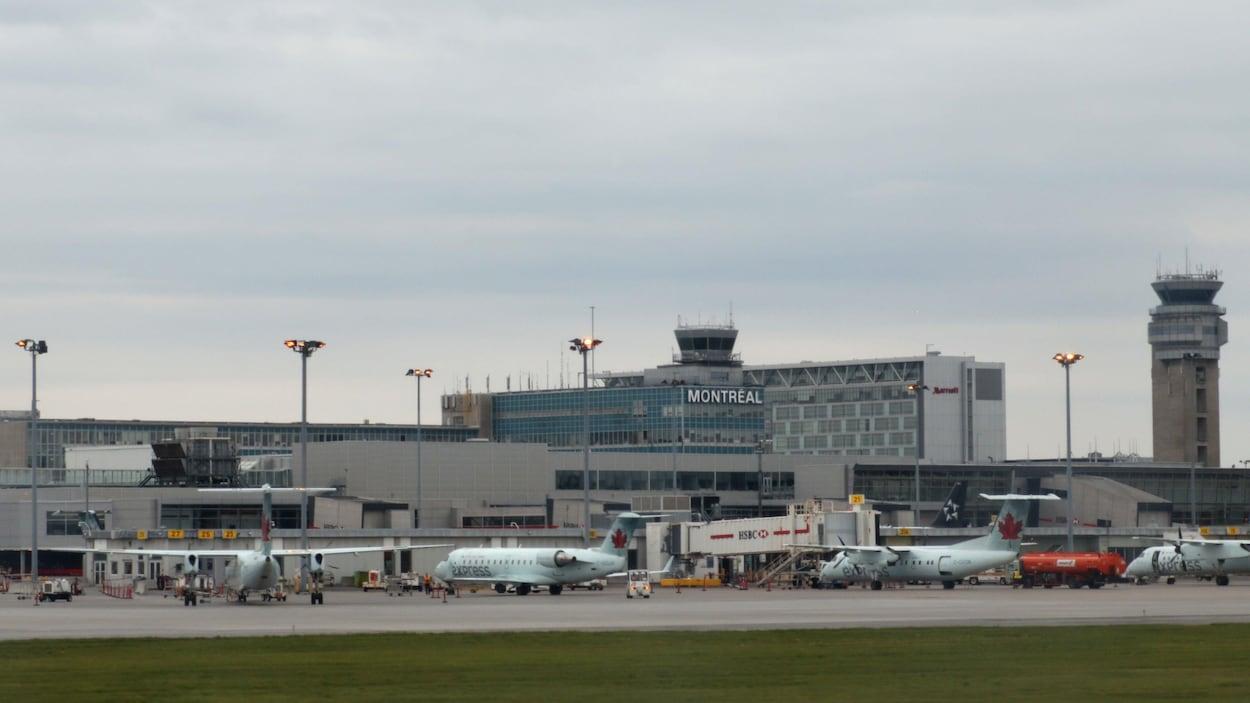Vue panoramique de l'aéroport.